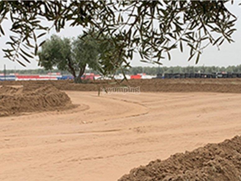 Rally con pista de tierra