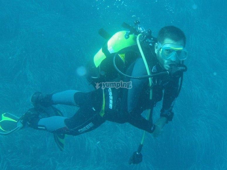 在潜水过程中潜水
