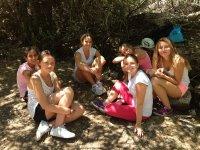 Grupo de chicas en el campamento de Cazorla