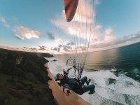滑翔伞乘Velez飞行,儿童需要20分钟