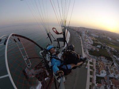滑翔伞在Velez上飞行和驾驶30分钟