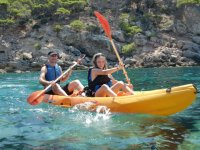 Two-seater kayak rental for farewells