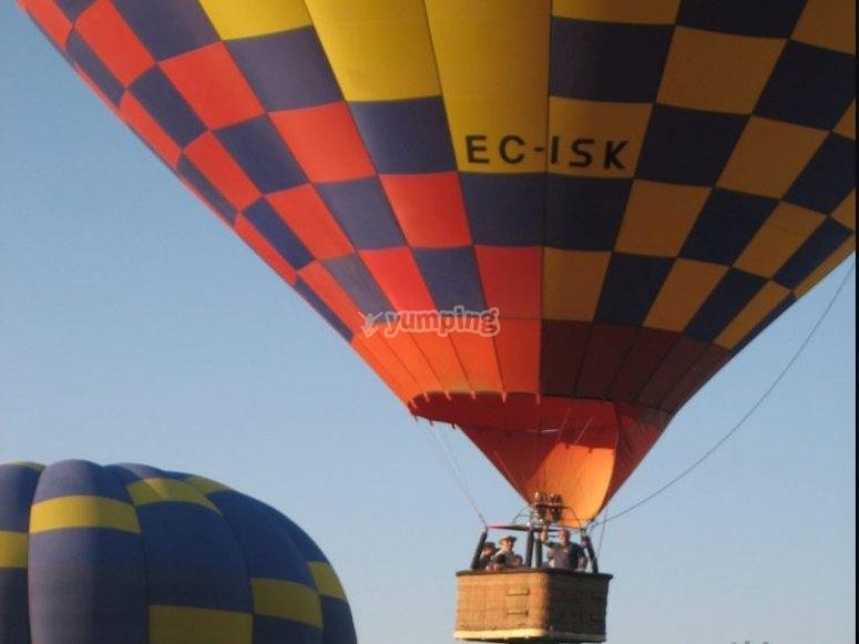 乘热气球起飞