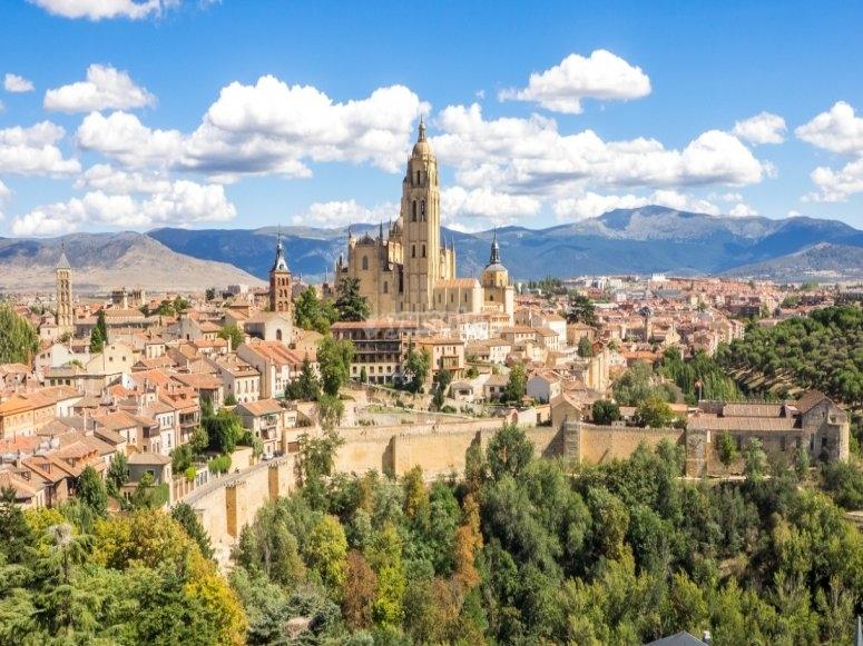 Balloon ride for children over Segovia