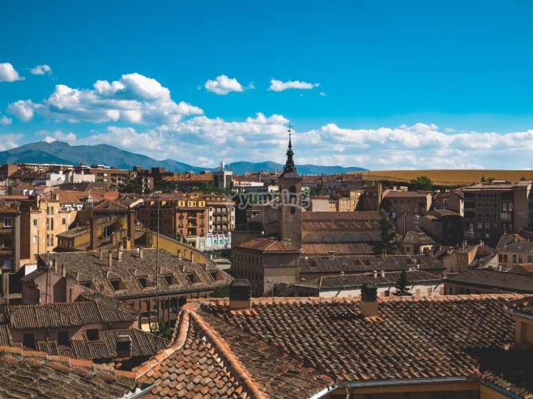 Balloon flight through Segovia