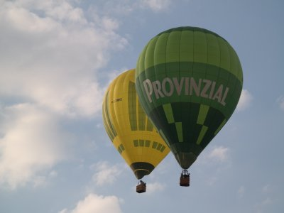 Balloon flight with picnic and photos in Segovia
