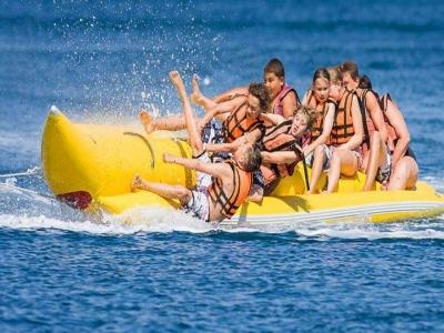 Banana boat en playa de Las Higuericas 15 minutos