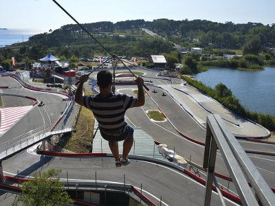 Zip line session 150 meters in Sanxenxo for 5