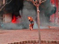 Especialista envuelto en llamas