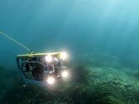 水下无人机乘船游览