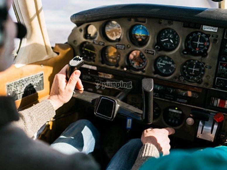 Flight in a plane as a copilot by Lugo de Llaneras