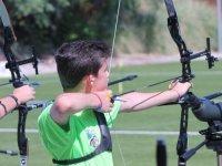 射箭竞争对手在全国锦标赛竞争