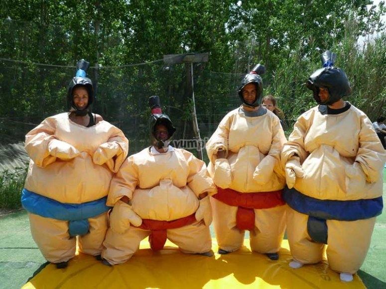莱昂郊区的黄色幽默与朋友