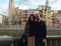 Pareja visitando Girona