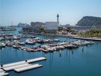 Barcos en el Puerto de Barcelona