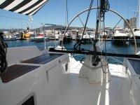 Espacio en la cubierta del velero