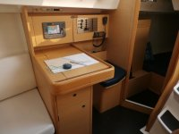 Mesa auxiliar del barco