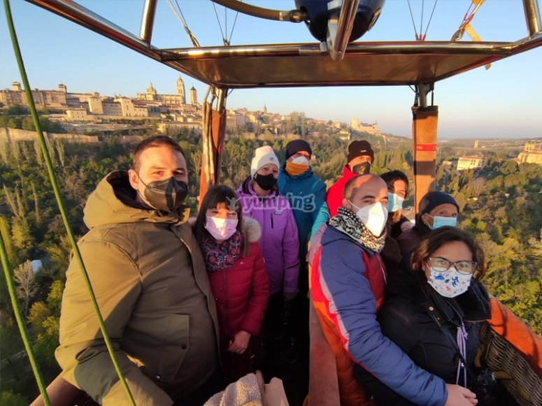 Balloon ride with photos and breakfast in Toledo