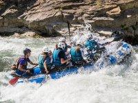 从穆里略峡谷的河流水电韦斯卡降低头部飞溅