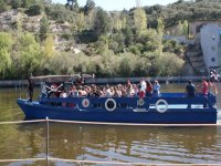 un precioso paseo en barco