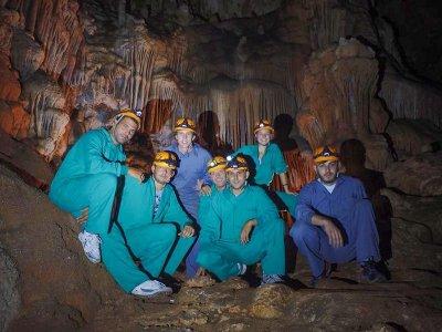 Ruta de espeleología en Cueva de las Maravillas 8h