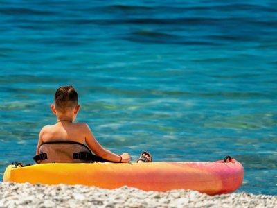 代木斯海滩1小时个人皮划艇出租