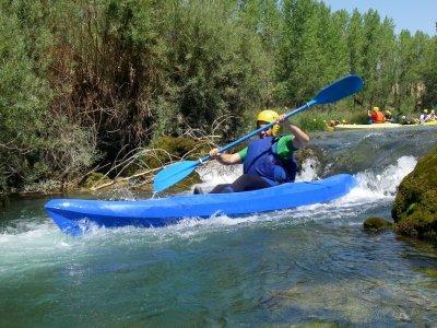 Kayak en aguas bravas en el Alto Tajo