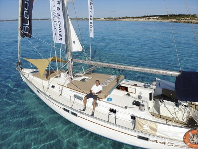 Alquiler de velero con patrón y extras Torrevieja