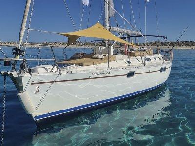 Alquiler de velero con patrón y SUP por Torrevieja