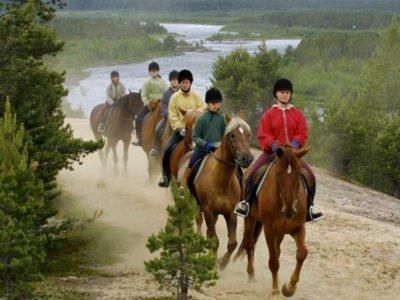 Ruta a caballo hacia el rompeolas de Baiona 1 hora