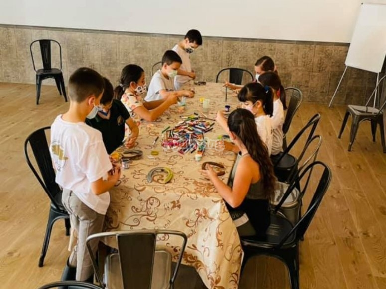 Campamento hípico con juegos para niños en Málaga