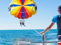 Seeing Alicante in parasailing