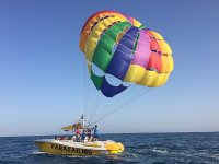 Flying with parasailing in Alicante