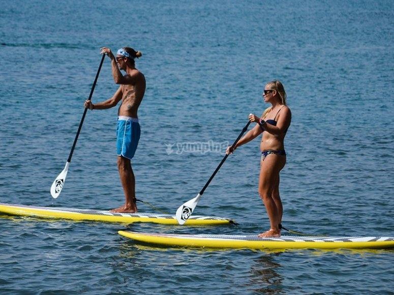 Paddle surf alquilado en Playa de Heliópolis