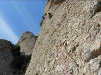 Siguiendo la pared con la cuerda