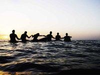 Clase de surf en playa de las Américas