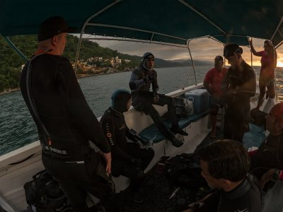 Inmersión de buceo desde barco por la ría de Vigo