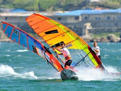 Curso de windsurf en la bahía de Baiona 12 horas