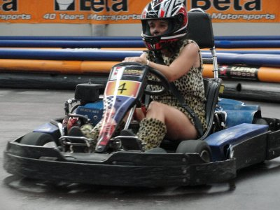 Karting Indoor Zaragoza Despedidas de Soltero