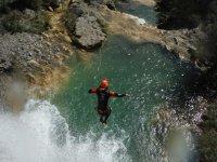 salto en el barranco
