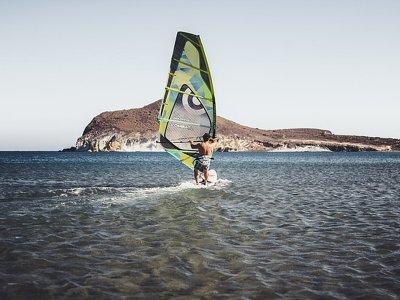 Curso de windsurf en la bahía de Baiona 4 horas