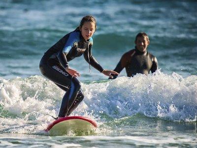 Clase de surf privada con equipo costa de Vigo 2 h