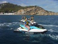 Llevando la moto nautica