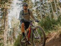 穿越山地自行车路线,带成人3小时美食
