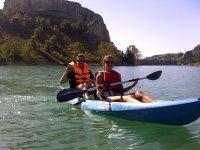 切尔瓦水库的双人皮划艇路线2小时