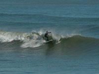 练习划桨冲浪