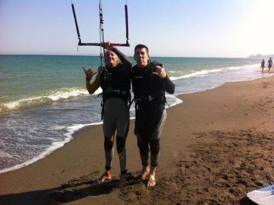 在Torremolinos学习风筝冲浪10天