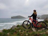 Percorso per mountain bike per famiglie lungo la costa e le città di Llanes