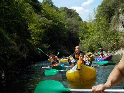 Ruta en canoa por río Cares con fotos 2h niños