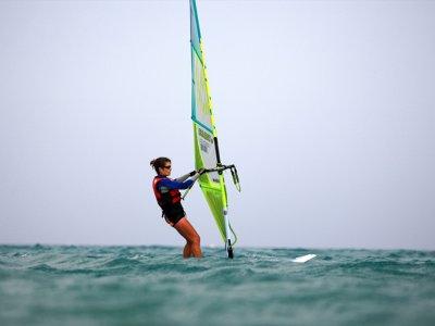 Alquiler de equipo completo windsurf Es Pujols 2 h